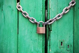 zámek dveře